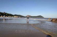 除了礼佛,美丽的沙滩和秀美的山水风光也让人流连忘返,一年一定要空出两天去走一走,让心静一静