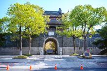 想要读懂如皋,就要从东大街开始。 如皋东大街,始建于南宋时期,距今已有800多年历史,是如皋古城内仅