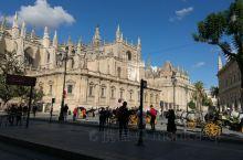 塞维利亚,西班牙靠近直布罗陀的一座美丽城市,教堂也格外漂亮,最近还在维修中