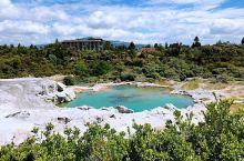 这里是温泉的圣地,地热资源非常丰富,适合泡温泉,对身体有很好的疗效