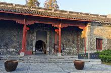 昭忠祠位于安徽巢湖中庙,是为当时纪念卫国战争中阵亡的将士而建的庙宇或祠堂,以昭示忠良将士之意而起名。