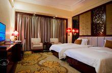 大埔酒店|县城里为数不多的四星级酒店。 【交通】酒店的地理位置在县城中心,毗邻西湖公园,酒店自带露天