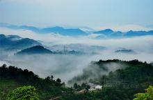 女娲山风景区位于平利县西部大巴山山脉北坡,海拔420—984米,北达汉江河谷,有襄渝铁路、西康铁路、
