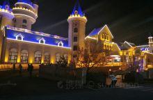非常梦幻的童话亲子酒店,遛娃的不二之选,酒店内有各种主题房型,还有室内儿童乐园!室外还有大的爱普乐园