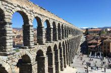 Segovia古老又壮观的水渠