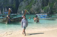 这里曾是莱昂纳多【The Beach】的取景地,全球游客慕名而来!我是第一次来,被眼前的美景惊掉下巴