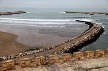 拉巴特位于摩洛哥西北部,濒临大西洋,如今是摩洛哥的首都,也是全国政治、文化中心。作为首都,拉巴特是最