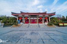 狮子山楚王陵位于江苏省徐州市云龙区兵马俑路,是西汉早期分封在彭城的某位楚王的陵墓。经徐州考古专家考证