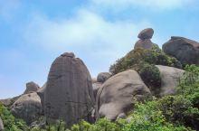 太姥山这里是一处以花岗岩峰林岩洞为特色,融山、海、川和人文景观于一体的风景区。 太姥山是太姥山风景名
