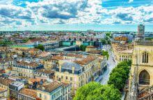 波尔多 著名的葡萄酒产区的中心!  在风景如画的波尔多地区,有6条最著名的葡萄酒之路。如果您喜欢葡萄