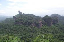 """色如渥丹,灿若明霞——丹霞山  一个坏坏的景点~丹霞山里的阳元石,已经有30万年的历史,被誉为""""天下"""