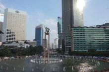 印尼第一城,我的雅加达印象  其实,我还有1/3印尼血统,可这个不妨碍我公正地评判雅加达的交通,堵、