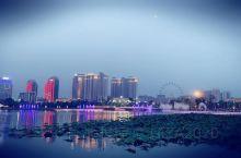 特别漂亮的明月湖 晚上更漂亮呢!有空就去逛逛 孩子特别喜欢哦!~~~