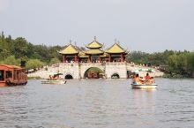江苏,扬州 瘦西湖景区,泛舟