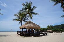 亚庇(又译哥打京那巴鲁,马来语Kota Kinabalu)是沙巴和婆罗洲渔业的兴盛地、旅游景点,同时