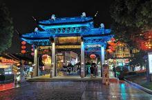 南长街旁的清名桥古运河景区夜景棒棒的,美食也很多,适合吃吃逛逛。