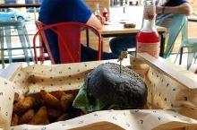 今天我要吃高颜值的花式汉堡flower burger  Hoogstraat 107A,在方块屋附近