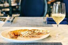 肯辛顿酒店的第一顿餐选择的是酒店的LORIA自助餐厅,棒的是不限量的饮料和葡萄酒及啤酒,自助餐种类比