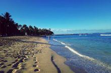 Queen's Beach,皇后海滩, 与库希欧海滩(Kūhiō Beach)相邻,位于欧胡岛南端西