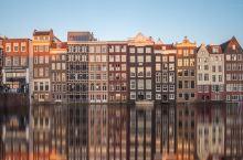 带你走近水城阿姆斯特丹 阿姆斯特丹(Amsterdam),荷兰首都及最大城市,人口约110万。位于该