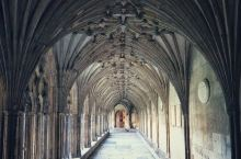坎特伯雷大教堂是英国最古老的教堂之一,是Church of England首席主教的主教座堂。作为世
