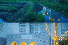 阳朔最浪漫民宿酒店| 田野里的白色城堡,像是王子许给公主的承诺,超适合公主心拍照打卡。 跟闺蜜越