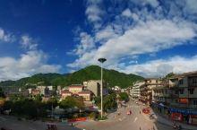 """这是我的家乡,位于广西来宾金秀瑶族自治县。金秀被称为""""世界第一瑶都"""",同时金秀还享有""""中国天然氧吧"""""""