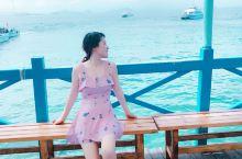 大学毕业后,毕业旅行来到了三亚,我挑选了蜈支洲岛的图片,和大家分享我的喜悦和旅行感想。 我们来的时候