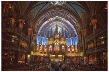 从外观看蒙特利尔圣母大教堂没有什么特别之处,花6加币进入教堂,让人感到非常震撼。