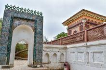 【莎车叶尔羌汗国王陵】喀什莎车县的叶尔羌汗国王陵在当地被称为阿勒屯麻扎,1533年开始营建,埋葬了叶