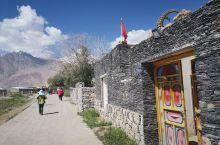 彩云人家:塔吉克族自古就居住在帕米尔高原上,塔吉克人是我国唯一的白种人,他们拥有6项国家级非物质文化