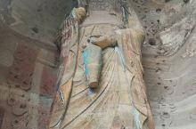 安岳石刻,遍布安岳县周边,尤以圆觉洞为代表,它起源于敦煌莫高窟和龙门石窟,发展兴盛于大足石刻,历经风