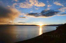 申扎县境内格仁错(湖)面积约700多平方公里。色林错(湖)面积1865平方公里,是藏北高原第二大咸水