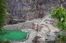 奇峰林立,怪石丛生的大朗戴尔峡谷  英国虽然国土面积不大,可能是因为位于英格兰高地的原因,英国境内的