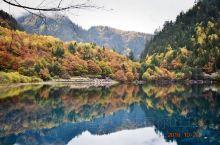 九寨沟的山美、水美!秋天的风景是美上加美!