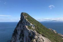 """得天独厚的""""观景台""""——直布罗陀巨岩  第一次来到这里,真的被震惊到了,真的超级巨大,很大的一整块岩"""