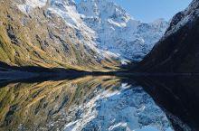 世界上最美丽的湖泊之一,新西兰的玛丽安湖  ● 美丽的玛丽安湖  来新西兰观光旅游,玛丽安湖绝对是你