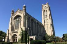 一个让人肃然起敬的地方  来芝加哥之后,正好今天的行程里面有一个离的比较近的教堂,说是洛克菲勒的纪念