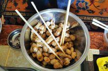 松茸之乡雅江,我们住在了藏民家里,藏民很热情,给我们做了松茸晚餐。这里有个非常殊胜的佛寺,叫扎呷寺,