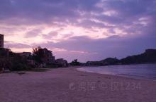 那琴湾海边民宿210一晚,老板大气免费升级海景房,楼下就是海滩,非常休闲自由,日出日落随便看,附近很