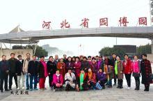 集中园林之精华  展现燕赵之风貌          南距滹沱河3.2公里,西距正定县城1.5公里,占