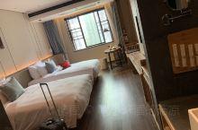 #长沙酒店 十一在携程上订的长沙品缦酒店,离火车南站一站路,打车起步费,酒店环境不错,旁边又个商场保