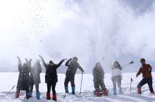 廓琼岗日冰川位于西藏当雄县格达乡境内,海拔约5500米,距拉萨约160公里。廓琼岗日冰川公园集冰川、