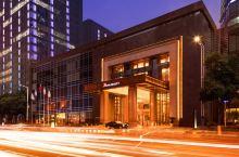 值得一去的酒店  坐落在常州现代传媒中心,举目可饱览绚丽的城市天际线景观。  【酒店信息】 酒店风景