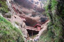仅用一根柱子撑起来的寺庙叫甘露寺,位于福建三明泰宁县的五A级景区~大金湖风景区内,是一个很奇特的建筑