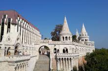 布达佩斯(二)。布达和佩斯是首都两个地名,就像湖北的武汉是由汉口和武昌组成的一样,名胜古迹很多,这一