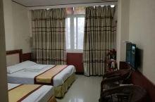 房间挺宽敞的,这个价位来说性价比很高了,还会入住的。