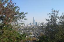 登高才能望远,在镇江如果想免费登高望远的话,有一个地方非常好。那就是位于伯山公园里面的云台山,之所以