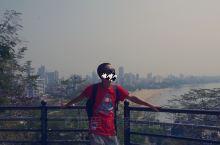 海因花园位于马拉巴尔山的顶部,是全市的最高点,但是因为周围全是高树,根本看不见海景及海上日落,也看不