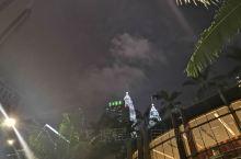 喜欢马来的云,正如马来一年四季都容纳雨的淋漓。